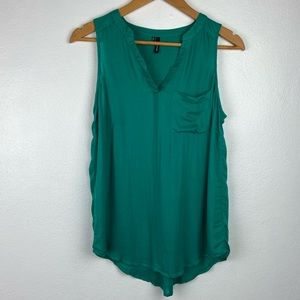 Maurices sleeveless Blouse green